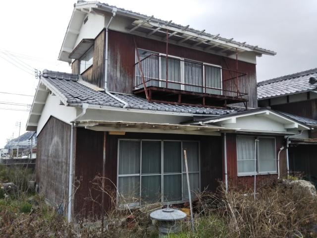 古びた空き家