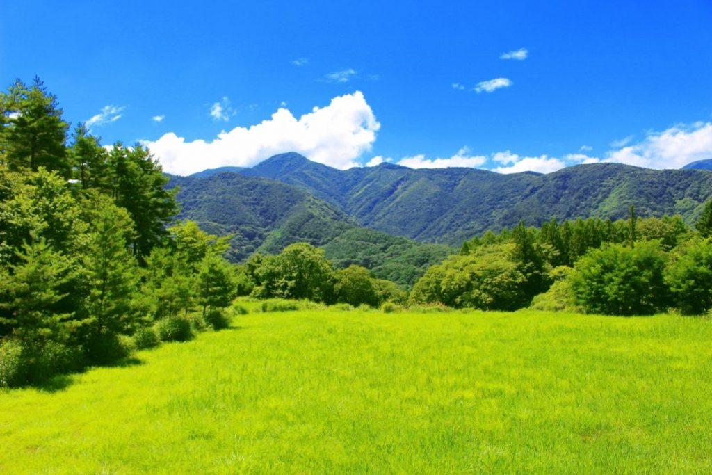 山を絡めた自然風景